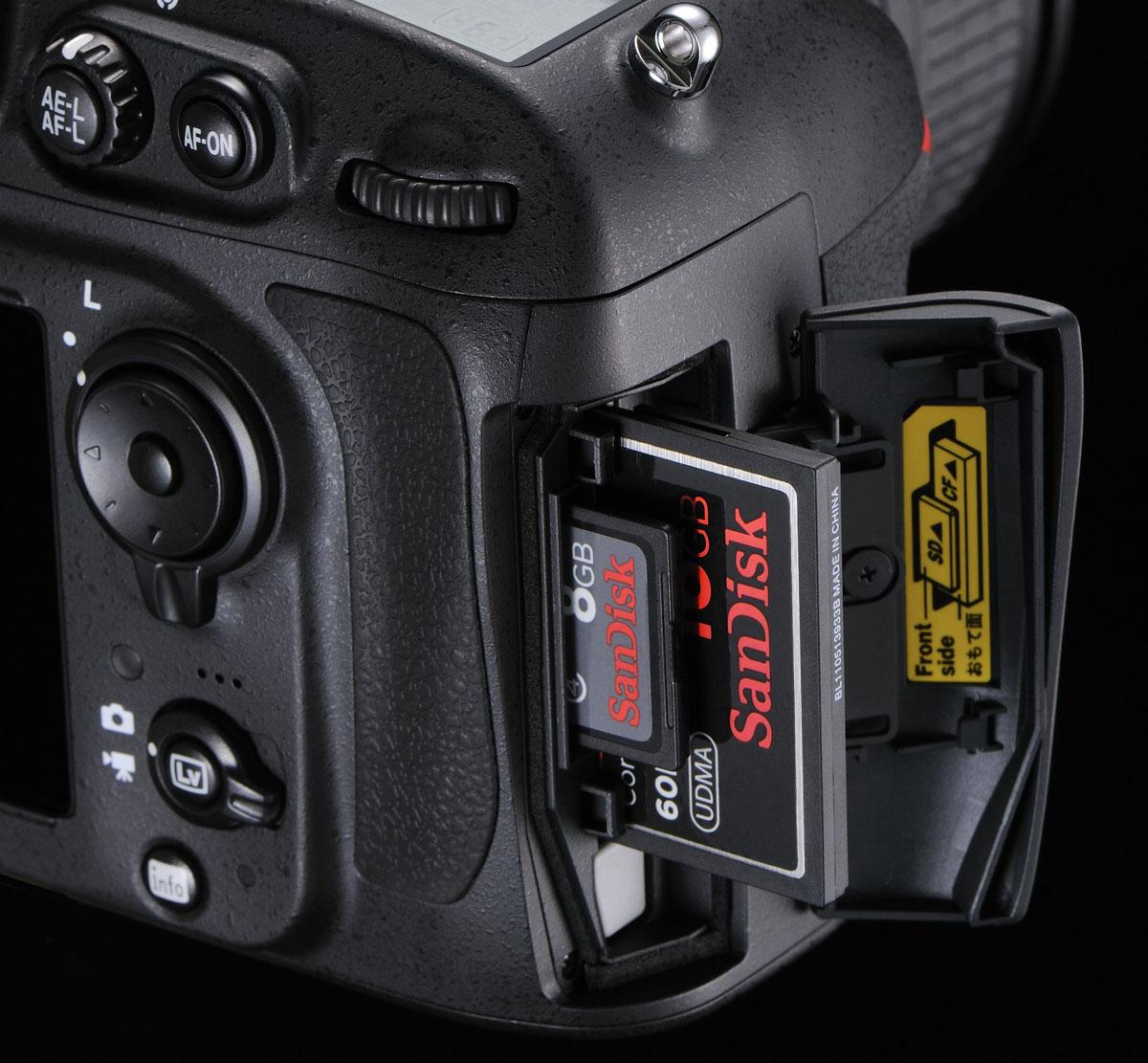 Nikon-D800-Card-Slots-CF-SD